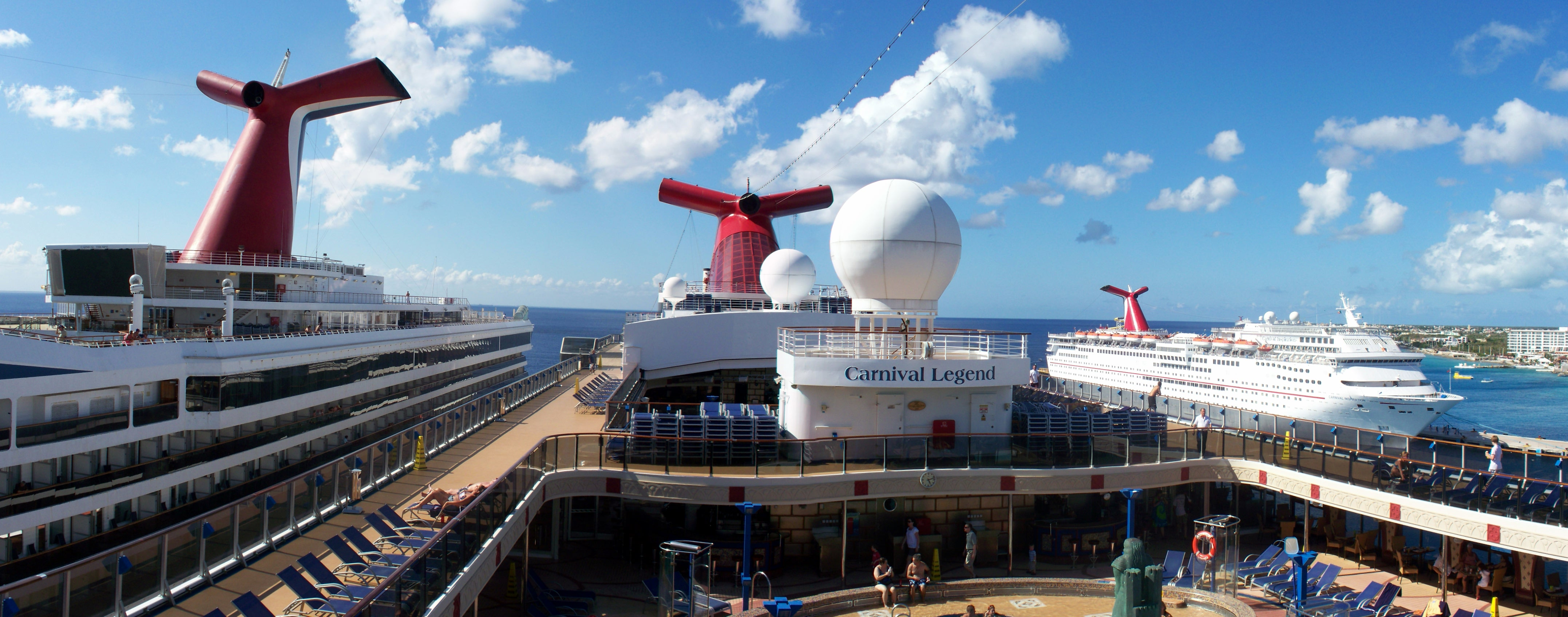Cruise Ships: Large vs. Small